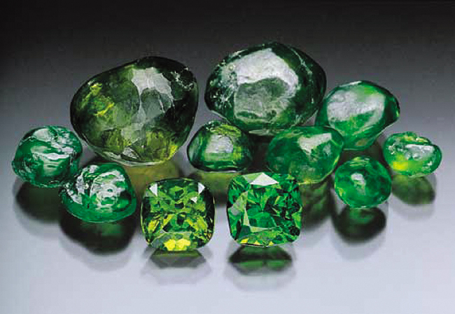 demantoid_rough_cut