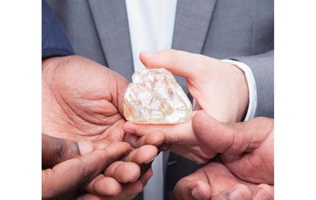피스 다이아몬드 원석