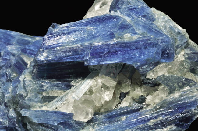 kyanite,_quartz_1